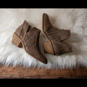 New Brown Lace Booties